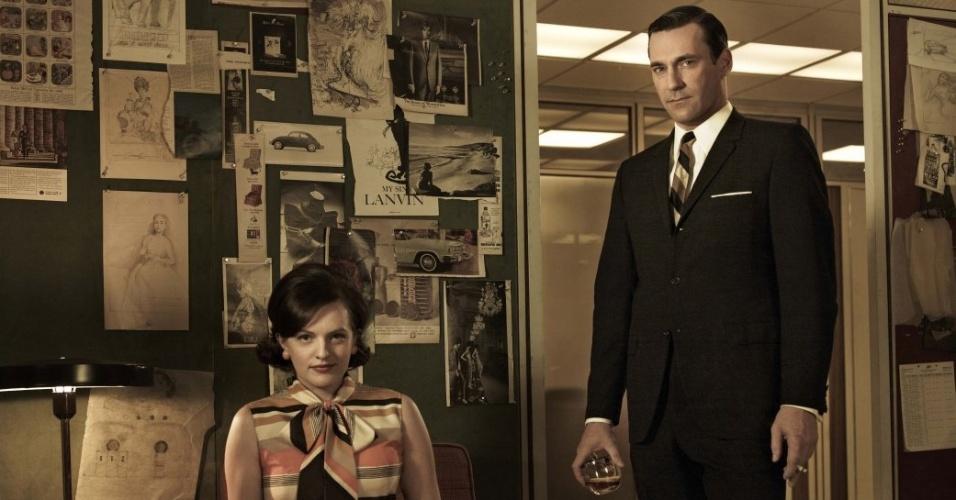 Peggy Olson (Elisabeth Moss) e Don Draper (Jon Hamm) em imagem da 5ª temporada de Mad Men