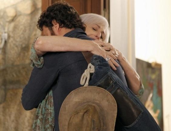 """Ana Lúcia Torre e Gabriel Braga Nunes em cena de """"Amor Eterno Amor"""" (22/3/12)"""