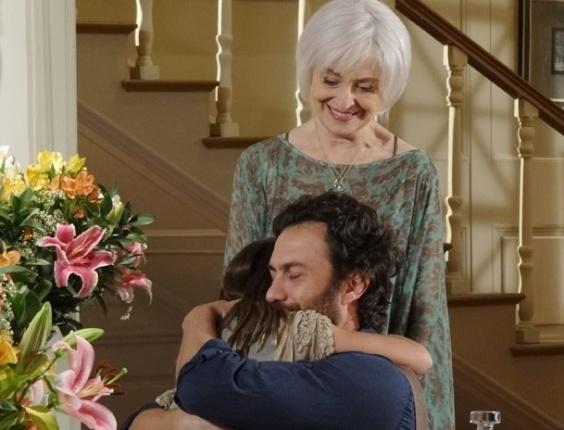 """Ana Lúcia Torre, Gabriel Braga Nunes e Klara Castanho em cena de """"Amor Eterno Amor"""" (22/3/12)"""