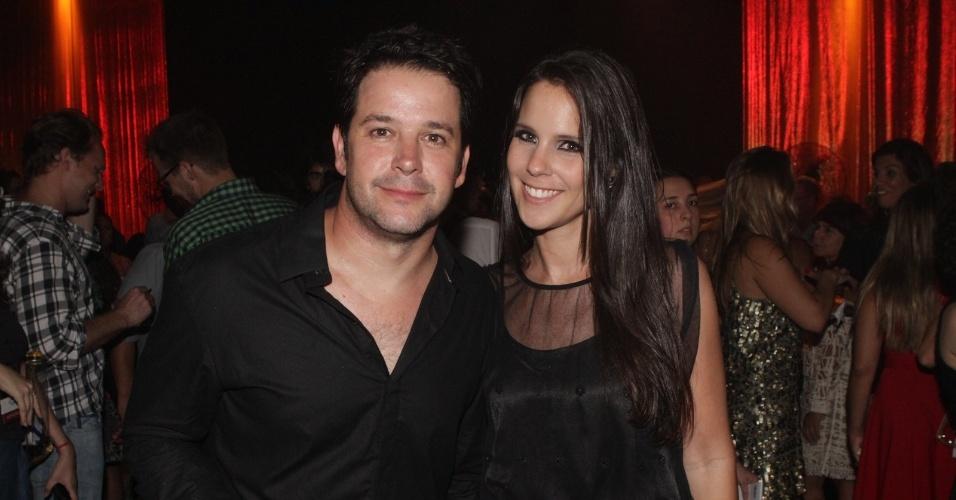 """O ator Murilo Benício vai com a namorada Andréa de Souza à festa de lançamento de """"Avenida Brasil"""" no Rio (15/3/12)"""