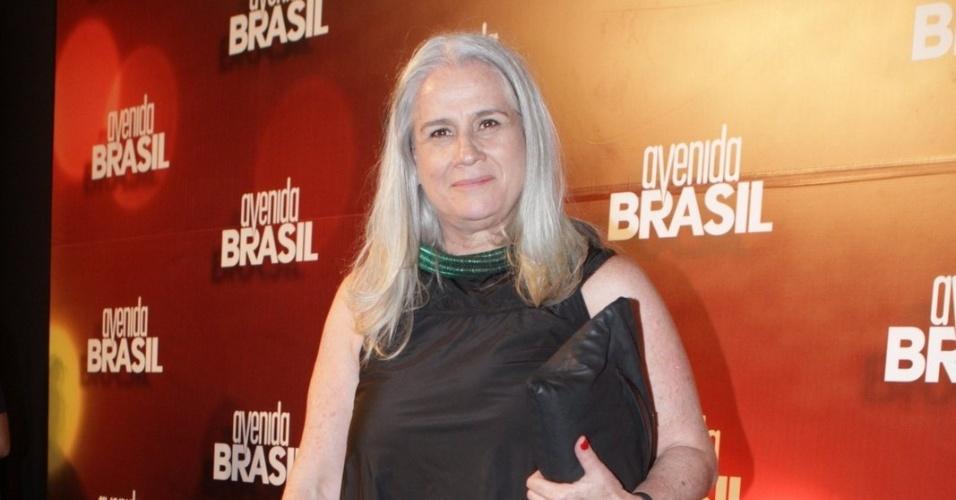 """Vera Holtz interpretará Lucinda, uma mulher que mora no lixão, na novela """"Avenida Brasil"""" (15/3/12)"""