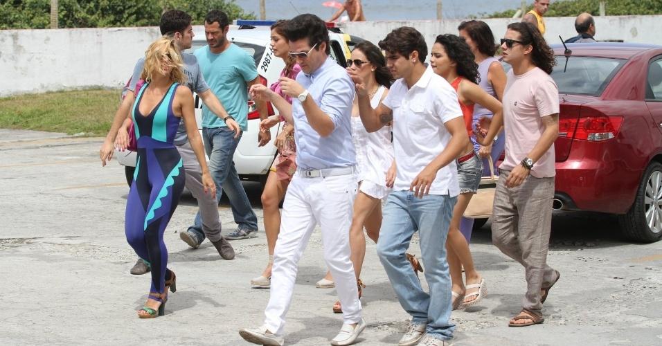 """Elenco grava as últimas cenas de """"Fina Estampa"""" na Barra da Tijuca, no Rio de Janeiro (19/3/12)"""