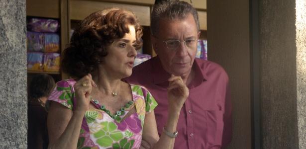 "Nenê (Marieta Severo) e Lineu (Marco Nanini), de ""A Grande Família"""