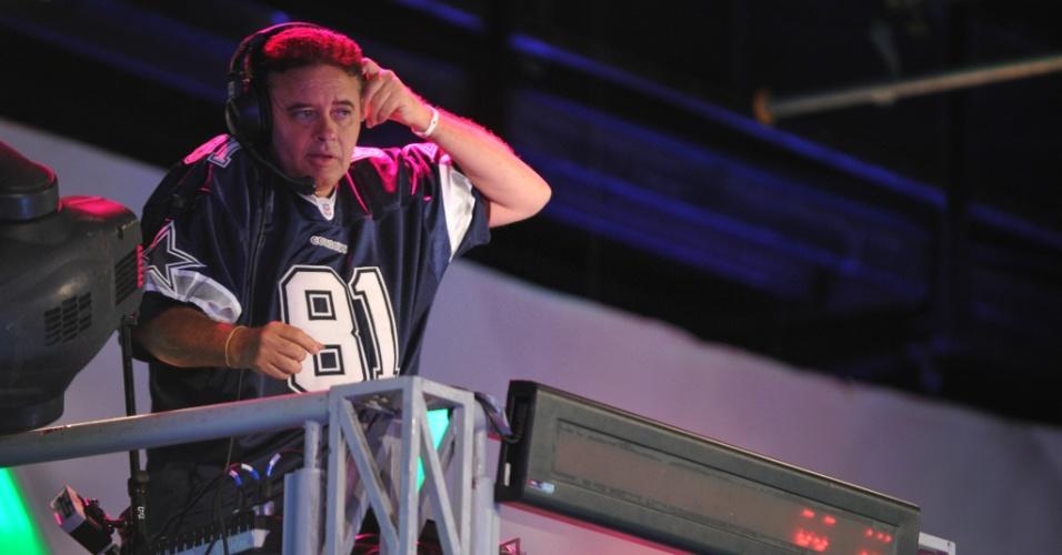 """DJ Marlboro durante gravação do """"TV Xuxa"""" para comemorar o aniversário da apresentadora (21/2/12)"""