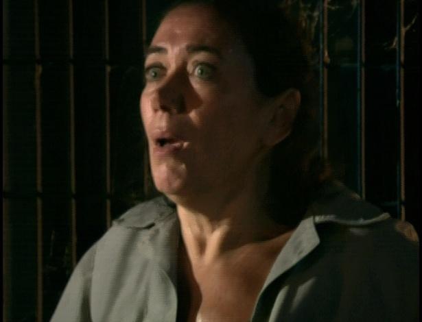 Antenor e Patrícia chegam para salvar Griselda, e Tereza Cristina tenta atirar neles
