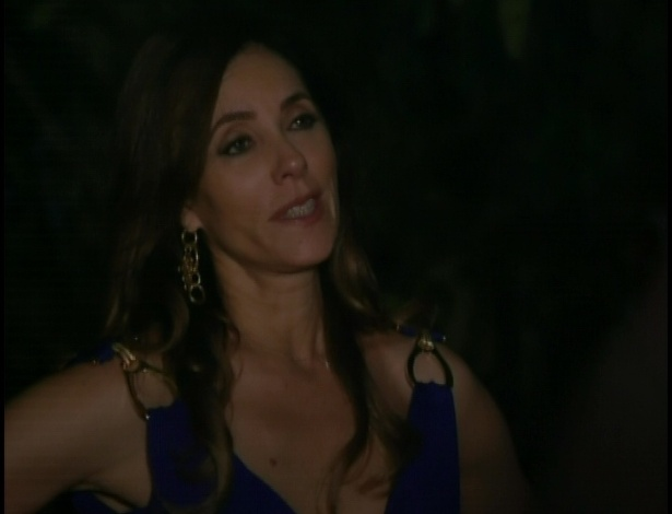 Ferdinand pergunta a Tereza Cristina se ela quer ir para algum hotel
