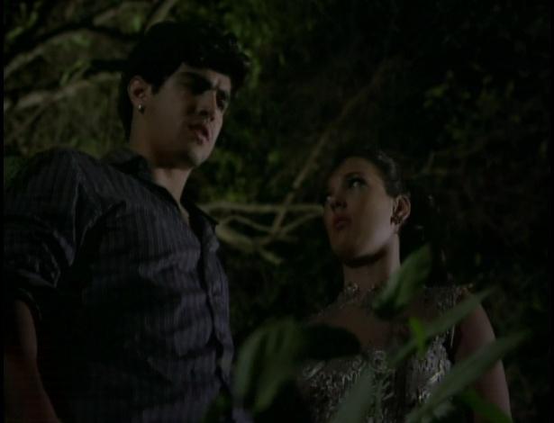 Patrícia leva Antenor ao lugar onde ela o encontrou quando ele foi sequestrado