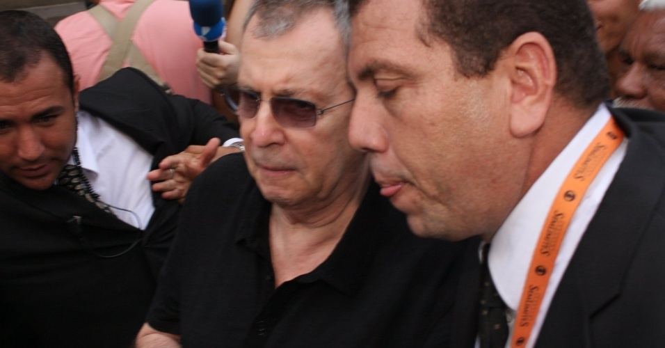 O diretor Daniel Filho chega ao Theatro Municipal do Rio de Janeiro no velório de Chico Anysio. O humorista morreu na tarde de sexta-feira (23) em decorrência de falência de múltiplos órgãos (24/03/2012)
