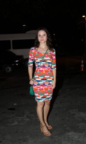 """Bianca Comparato chega para assistir ao primeiro capítulo de """"Avenida Brasil"""" em uma churrascaria no Rio (26/3/2012)"""