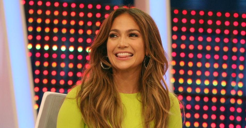 """Jennifer Lopez grava participação no programa """"O Melhor do Brasil"""", em São Paulo (26/3/2012)"""