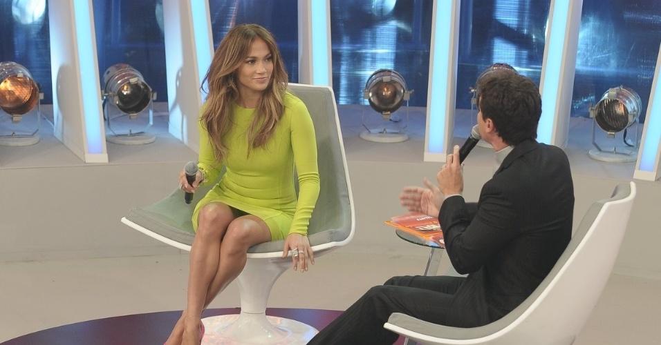 """Jennifer Lopez e Rodrigo Faro durante a gravação de """"O Melhor do Brasil"""" (26/3/2012)"""