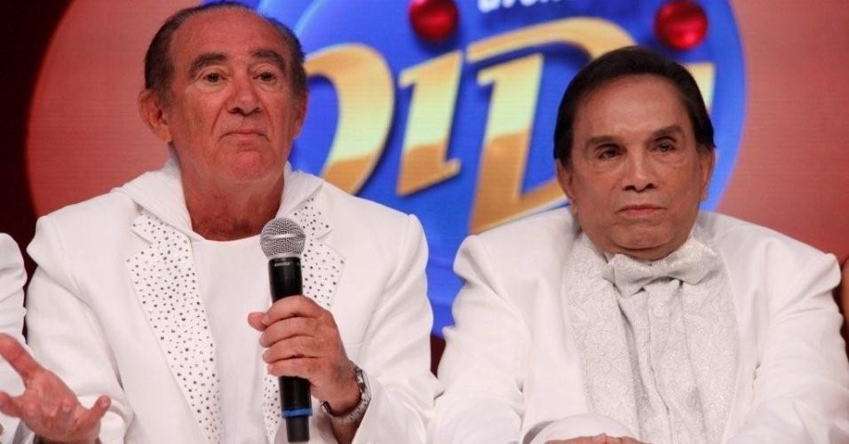 Os humoristas Renato Aragão e Dedé Santana em gravação de