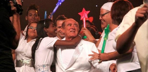 """Renato Aragão durante gravação de """"As Aventuras do Didi"""" que teve bate-papo com fãs no Projac (29/3/12)"""