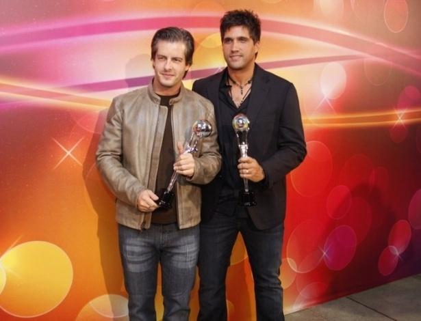 Vitor e Léo levam o prêmio na categoria melhor dupla