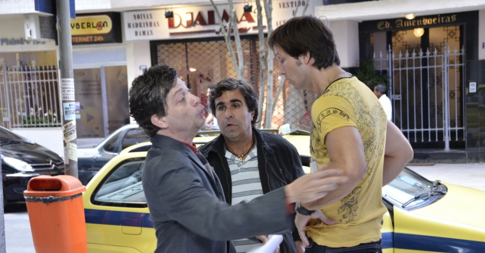 """Da esquerda para a direita, Kiko Mascarenhas, Orã Figueiredo e Vladimir Brichta durante gravação de """"Tapas e Beijos"""" (3/4/12)"""
