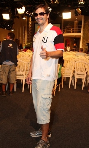 """Hitor Martinez na coletiva de imprensa de """"Máscaras"""", no RecNov, zona oeste do Rio (3/4/2012)"""
