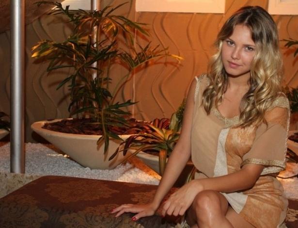 """Louise D'Tuani na coletiva de imprensa de """"Máscaras"""", no RecNov, zona oeste do Rio (3/4/2012)"""