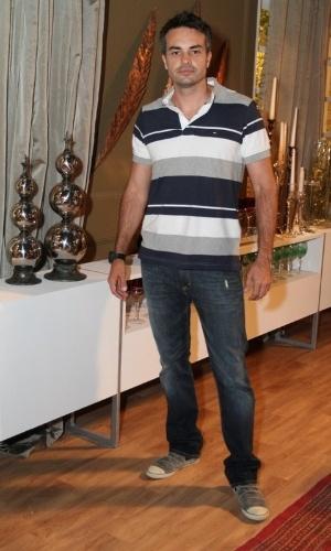 """Márcio Kieling na coletiva de imprensa de """"Máscaras"""", no RecNov, zona oeste do Rio (3/4/2012)"""