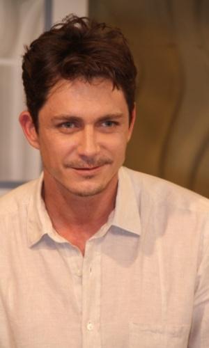 """Petronio Gontijo na coletiva de imprensa de """"Máscaras"""", no RecNov, zona oeste do Rio (3/4/2012)"""
