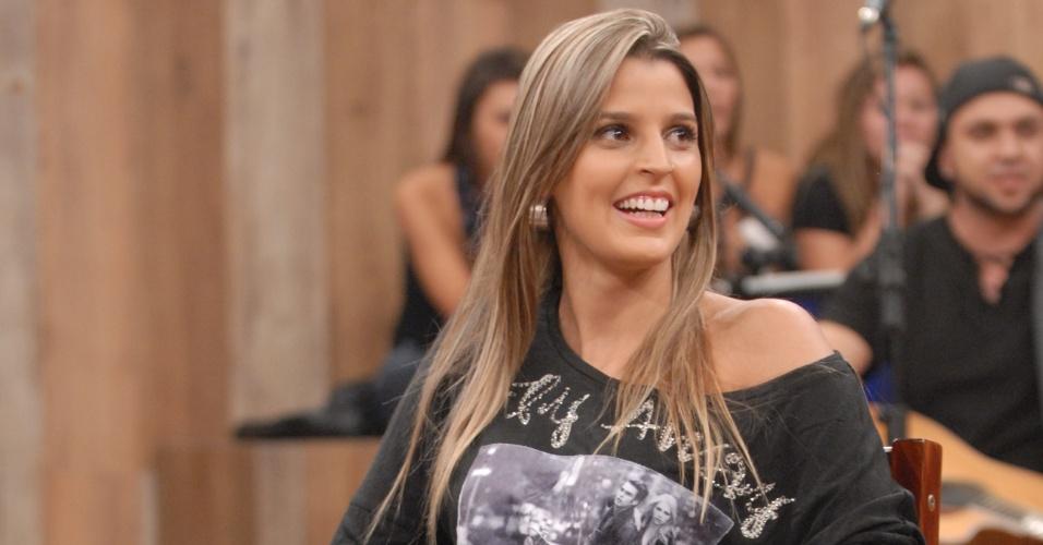 """A jogadora de vôlei Mari Paraíba participa da gravação do programa """"Altas Horas"""" (4/4/12)"""