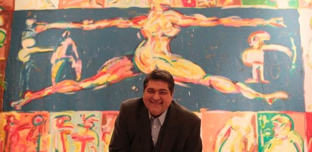 """O apresentador José Luiz Datena contou, em entrevista exclusiva para o UOL, em um bar em São Paulo, sobre o novo programa """"Quem Fica em Pé?"""" e nova fase de sua vida pessoal"""