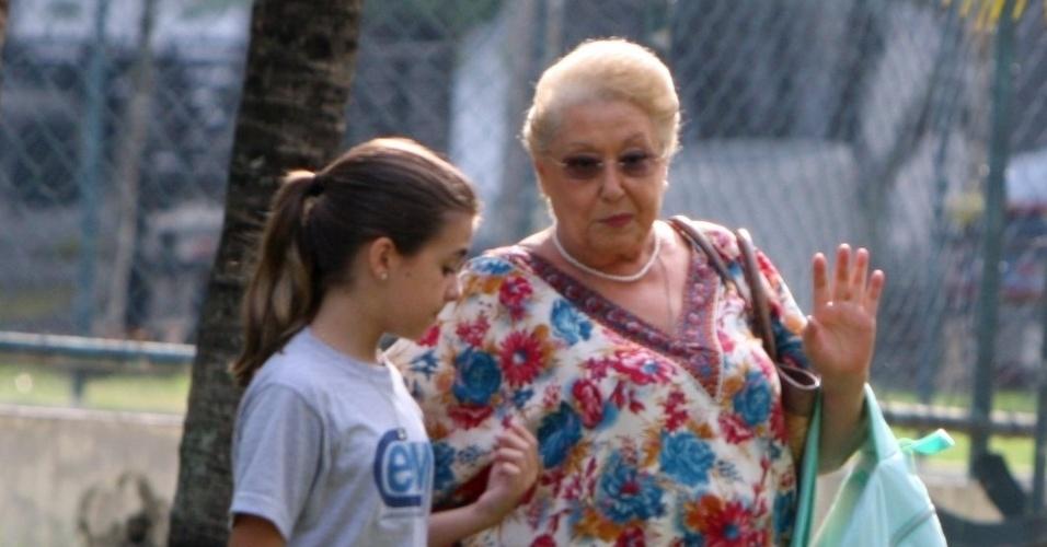 """Klara Castanho e Suely Franco gravam cena da novela """"Amor Eterno Amor"""" (9/4/12)"""