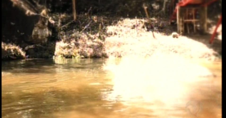 Ela relembra que conheceu Otávio no rio