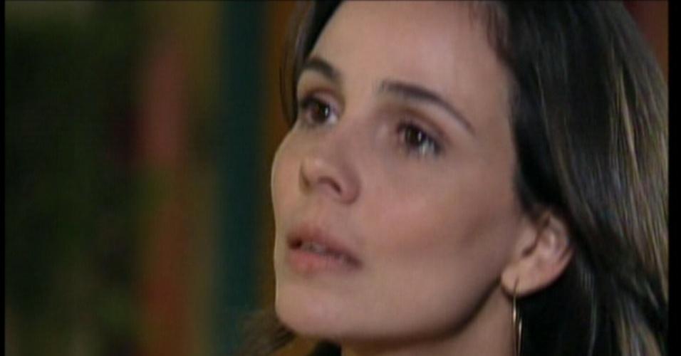 Ao Otávio voltar para casa, Maria pergunta o que aconteceu