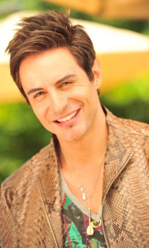 Ricardo Tozzi é Fabian