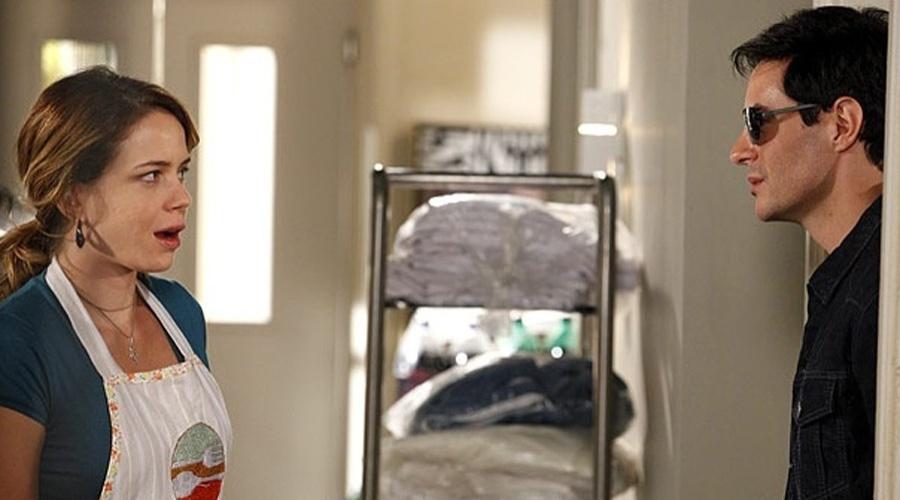 Rosário (Leandra Leal) confunde Inácio (Ricardo Tozzi) com Fabian (Ricardo Tozzi). A cena está prevista para ir ao ar na segunda-feira (16/4/12)