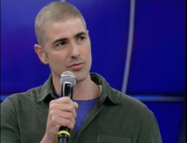 Reynaldo Gianecchini aparece no Faustão e fala de seu câncer