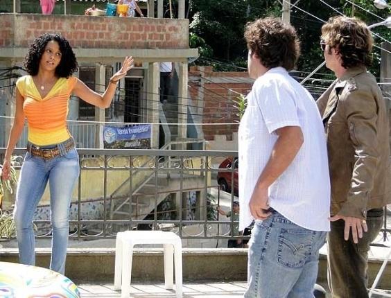 """Em """"Cheias de Charme"""", Penha recusa fazer acordo com Chayene (17/4/12)"""