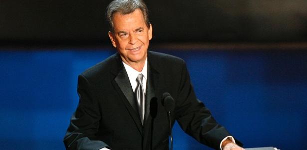 Dick Clark recebe tributo durante o Emmy Awards em Los Angeles (27/8/06)