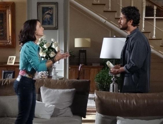 """Em """"Amor Eterno Amor"""", Valéria procura Rodrigo e diz que está esperando um filho dele (18/4/12)"""