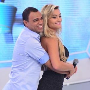 """Denílson participa do """"Tudo é Possível"""" deste domingo (21)"""