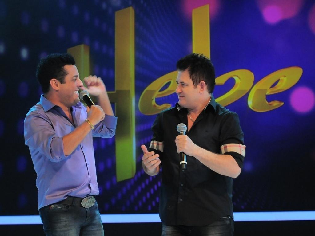 Bruno e Marrone participam do segundo programa gravado por Hebe Camargo após cirurgia (23/4/12)