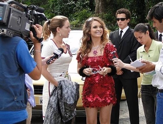 """Em """"Cheias de Charme"""", Chayene usa Rosário para se livrar da fama de má (23/4/12)"""