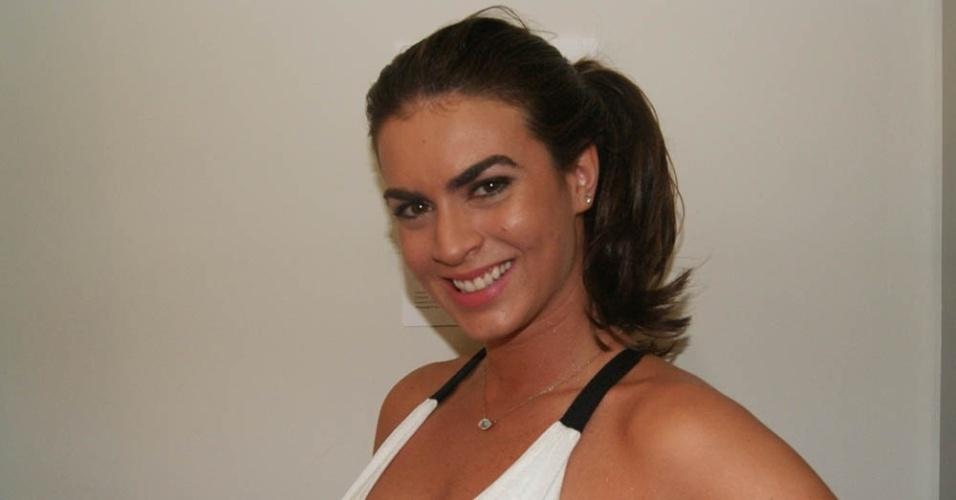 Renata Molinaro posa para foto; ela é uma das novas panicats