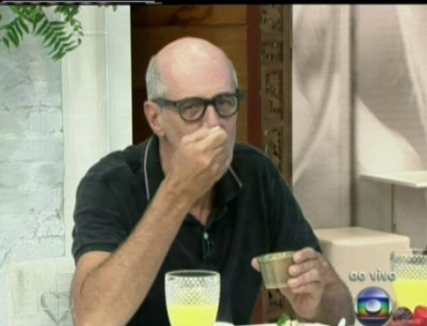"""Marcos Caruso participou do """"Mais Você"""" nesta quarta-feira e afirmou que adora comer, enquanto deliciava um café da manhã (25/4/12)"""