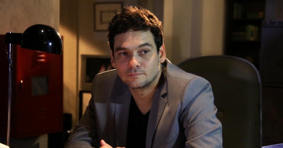 """Cláudio Gabriela apresenta o seriado """"Fora de Controle"""" no RecNov, zona oeste do Rio (26/4/12). A série estreia no dia 8 de maio na Rede Record"""