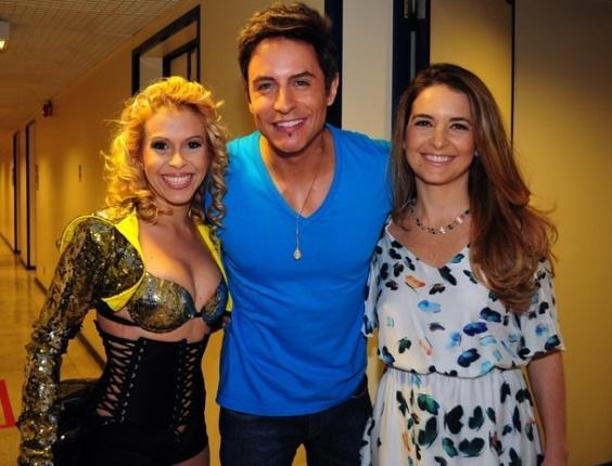 "Joelma, Ricordo Tozzi e Cláudia Abreu nos bastidores de ""Cheias de Charme"" (26/4/12)"