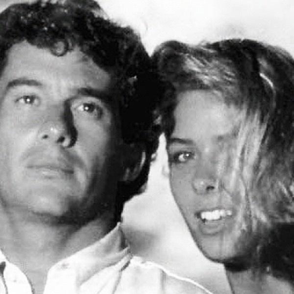 """No aniversário de 18 anos da morte de Ayrton Senna, Adriane Galisteu, ex-namorada do piloto, publicou uma foto ao lado dele no Twitter. """"Beco Forever"""", escreveu a apresentadora (1/5/12)"""