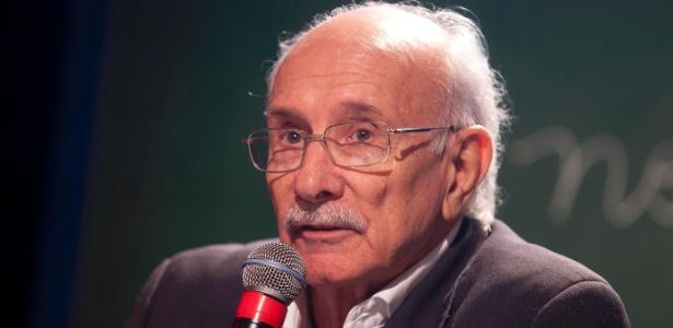 """O diretor Reynaldo Boury falou do remake de """"Carrossel"""" em evento de divulgação da novela (7/5/12)"""