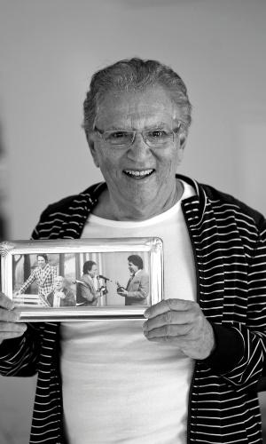 """""""Esse foi um dos maiores presentes que o Silvio me deu, além de uma casa. Este porta-retrato foi escolhido por ele e sem dúvidas é uma das lembranças mais valiosas."""" (4/5/12)"""