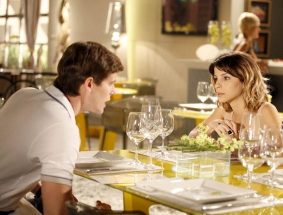 """Em """"Cheias de Charme"""", Conrado morde a isca e começa a se interessar por Isadora (8/5/12)"""