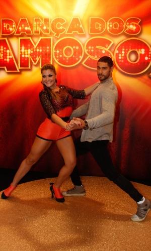 """Victor Pecoraro e a professora Letícia Weiss formam par na nona edição da """"Dança dos Famoso"""" (13/5/12)"""