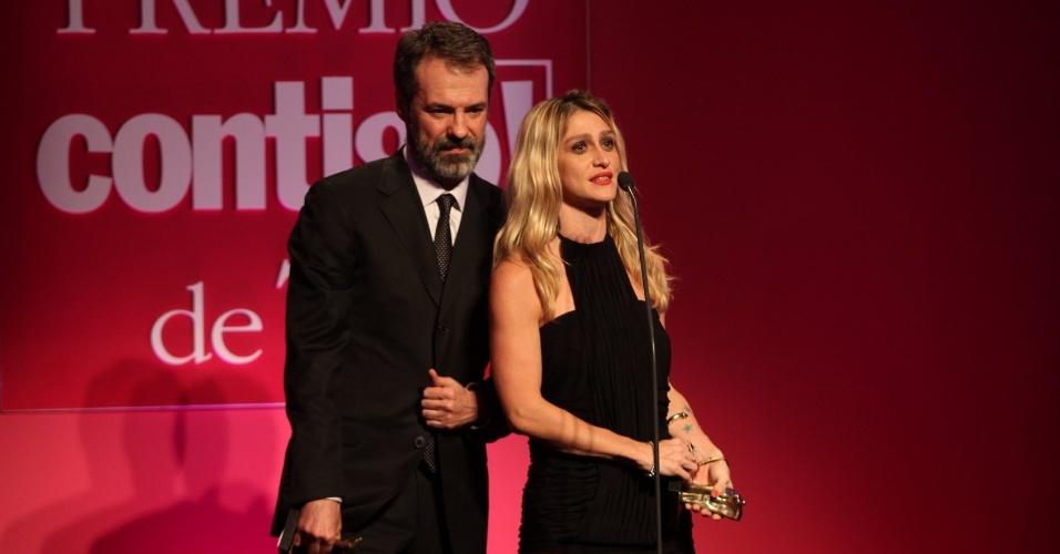 """Ricardo Waddington e Amora Mautner são eleitos melhores diretores de novela por """"Cordel Encantado"""" (14/5/12)"""