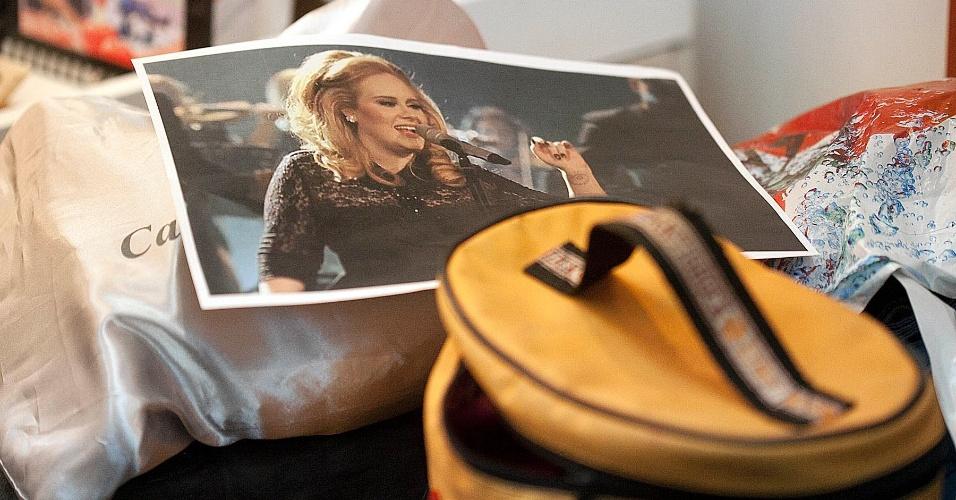 """Rodrigo Faro se transforma na cantora britânica Adele para o quadro """"Dança Gatinho"""" durante gravação do """"O Melhor do Brasil"""", na Rede Record (15/5/12)"""
