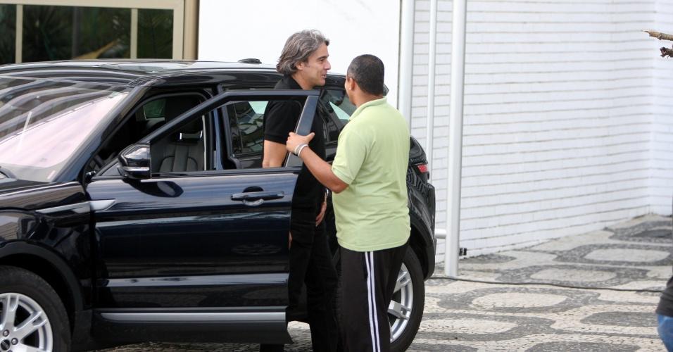 """Alexandre Borges grava cenas de """"Avenida Brasil"""" em Ipanema (17/5/12)"""