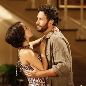 """Andréia Horta e Gabriel Braga Nunes em cena de """"Amor Eterno Amor"""" (19/5/2012)"""